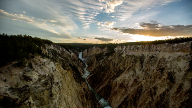 stockvideo's en b-roll-footage met yellowstone - wyoming