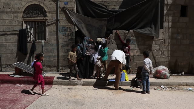yemenis receive oral cholera vaccinations on september 19, 2019 in sana'a, yemen. yemen's local health authorities, with support from the world... - vibrio stock videos & royalty-free footage