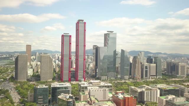 stockvideo's en b-roll-footage met yeouido financial district / yeouido-dong, yeongdeungpo-gu, seoul, south korea - straatnaambord