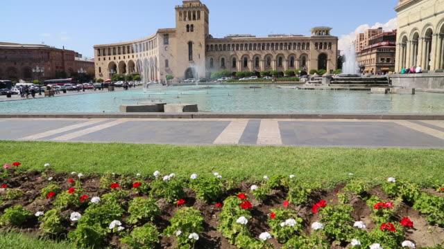 vidéos et rushes de yerevan, fountains in the republic square - culture de l'europe de l'est