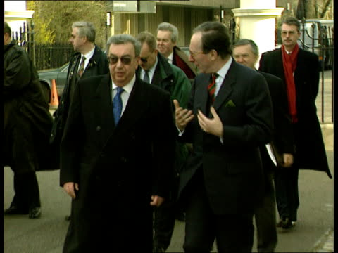 London Foreign Sec Malcolm Rifkind MP shakes with Russian Foreign Min Yevgeny Primakov Primakov making speech Yevgeny Primakov speech Agreement would...