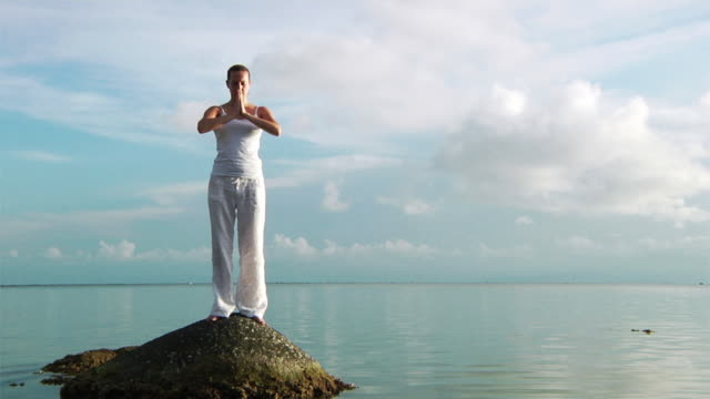 Yoga at the beach (HD 1080)