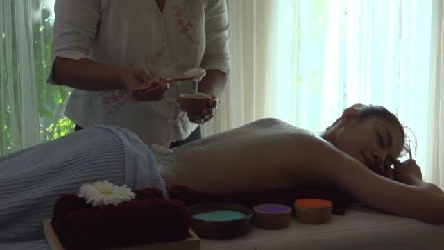Yogurt Massage In Spa