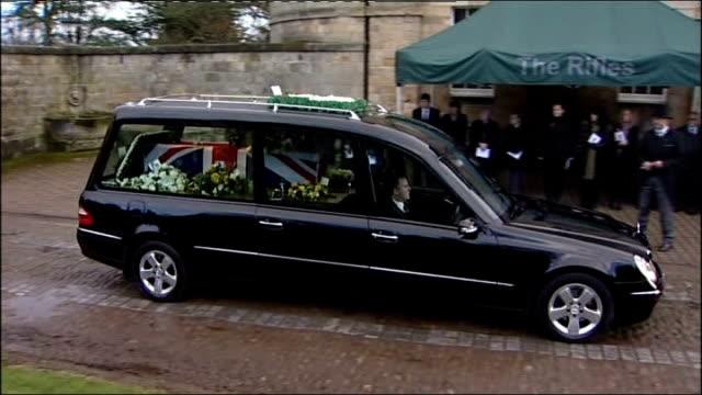 vídeos de stock, filmes e b-roll de soldiers firing rifles at funeral of sergeant phillip scott, coffin arriving in hearse and widow at funeral - widow