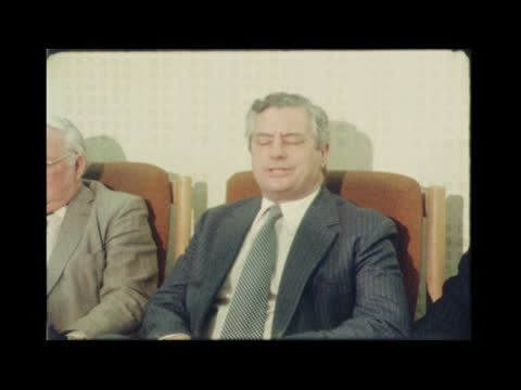 """vidéos et rushes de police pkf on arrest; england: west yorkshire: dewsbury: west yorkshire police"""" police car r-l chief constable ronald gregory and jim hobson r-l to... - yorkshire"""