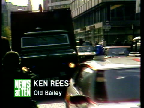 london old bailey ms police van and escort towards to bv into court pan crowd bv pan round taxi with family huddled in back drives on 18secs tx a d... - yorkshire stock-videos und b-roll-filmmaterial