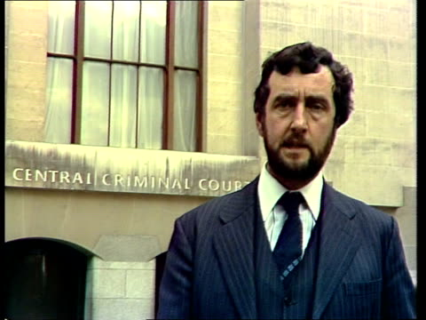 yorkshire ripper trial *tone heard over story* london old bailey rees sofquotdetails of the alleged next weekquot cutaways ms mrs sutcliffe to taxi... - yorkshire stock-videos und b-roll-filmmaterial