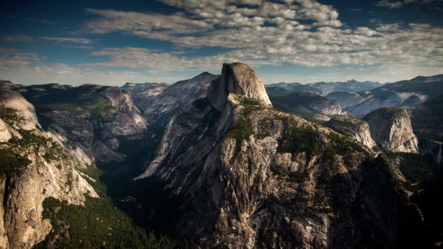 zeitraffer: yosemite bei nacht - yosemite national park stock-videos und b-roll-filmmaterial