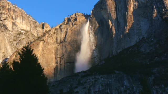 yosemite falls from valley floor, yosemite, california, united states - yosemite national park点の映像素材/bロール