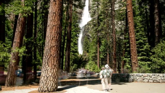 Yosemite Falls Trail in Yosemite National Park