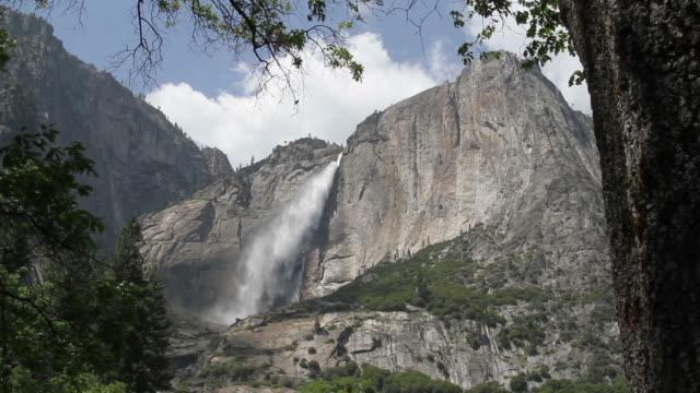 yosemite falls - yosemite nationalpark bildbanksvideor och videomaterial från bakom kulisserna