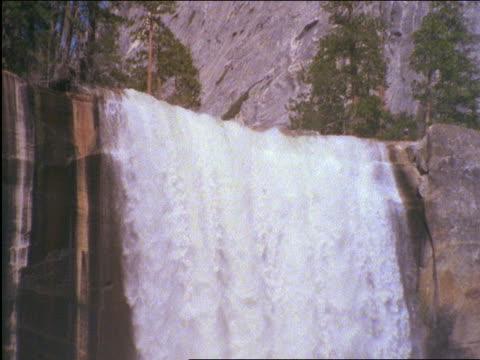 Yosemite Falls / Yosemite National Park, California