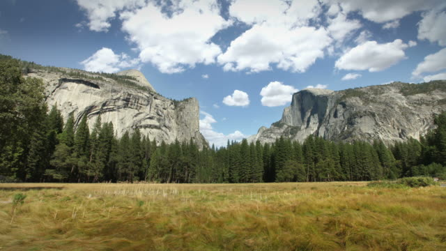 stockvideo's en b-roll-footage met yosemite national park - nationaal monument beroemde plaats