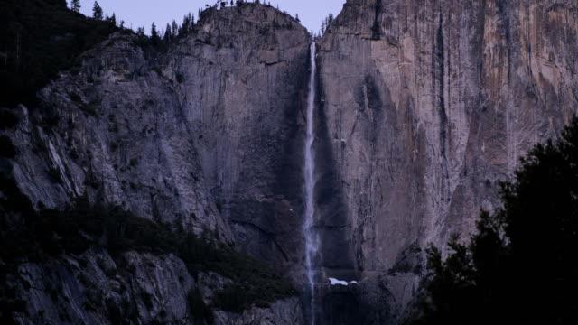 yosemite nationalpark: yosemite falls - yosemite nationalpark bildbanksvideor och videomaterial från bakom kulisserna