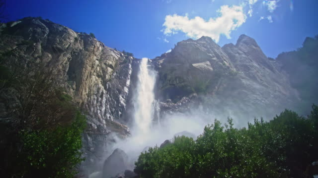 bridal veil falls yosemite valley yosemite national - yosemite national park stock-videos und b-roll-filmmaterial