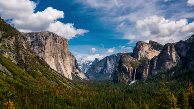 yosemite tunnel view el capitan and bridalveil fall 4k - yosemite national park stock videos & royalty-free footage
