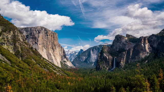 yosemite tunnel view el capitan and bridalveil fall cinemagraph - yosemite national park stock videos & royalty-free footage