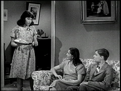 stockvideo's en b-roll-footage met you and your friends - 3 of 7 - 1946
