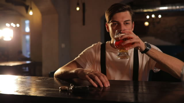 vídeos de stock e filmes b-roll de you can't drive ! - beer alcohol