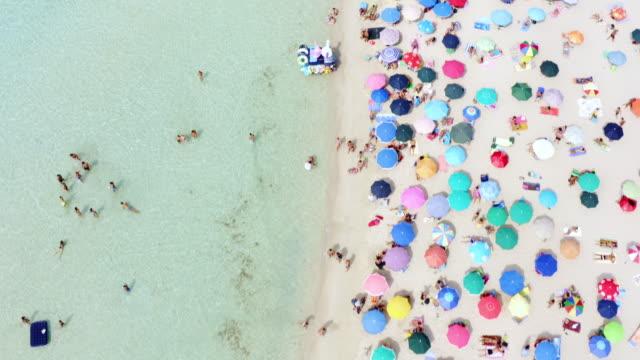 stockvideo's en b-roll-footage met je niet naar italië gaan zonder hun prachtige stranden te bezoeken - vol fysieke beschrijving