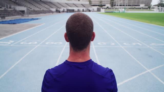 vidéos et rushes de vous devez faire l'effort d'être numéro un - performance athlétique