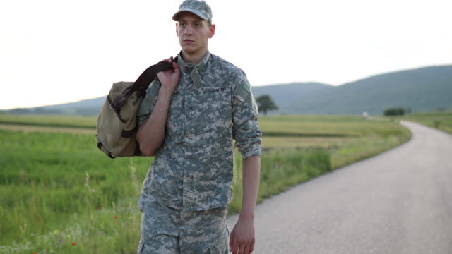 young amputee soldier coming home - us military stock videos & royalty-free footage