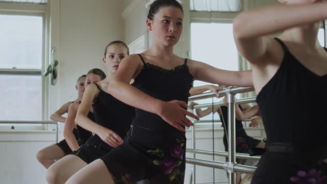 young ballerinas in a row - ユタ州スプリングヴィル点の映像素材/bロール