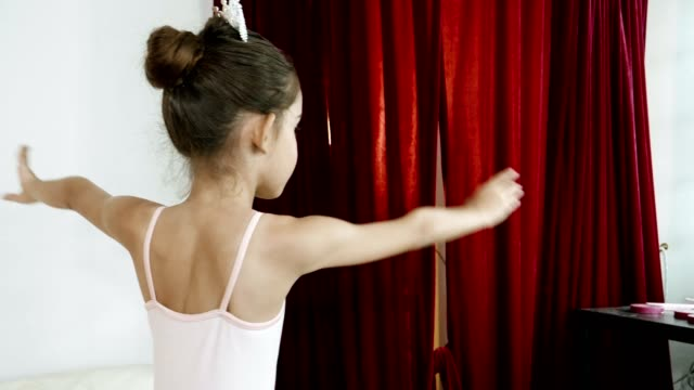 young ballerinas wearing white tutus and dancing - 8 9 years stock videos & royalty-free footage