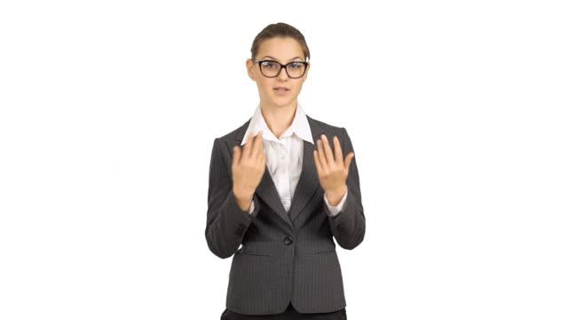 giovane bella donna d'affari con spazio copia e parla. - abbigliamento da neonato video stock e b–roll