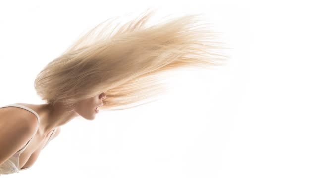 vídeos de stock e filmes b-roll de young beautiful women with flying hair - hair