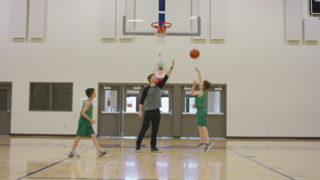 young boys basketball practice - sports training drill stock videos & royalty-free footage