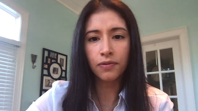 young businesswoman discusses new project ideas with her colleagues during a virtual meeting (audio) - conference call stock videos & royalty-free footage