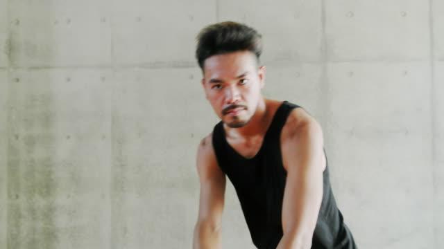 young dancers having fun. - människoarm bildbanksvideor och videomaterial från bakom kulisserna