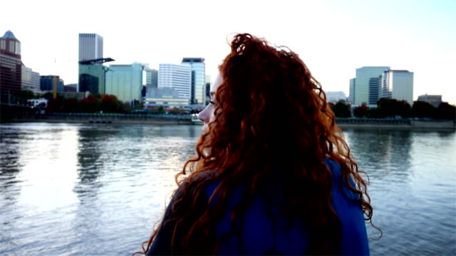 young female traveler exploring portland oregon - portland oregon sunset stock videos & royalty-free footage