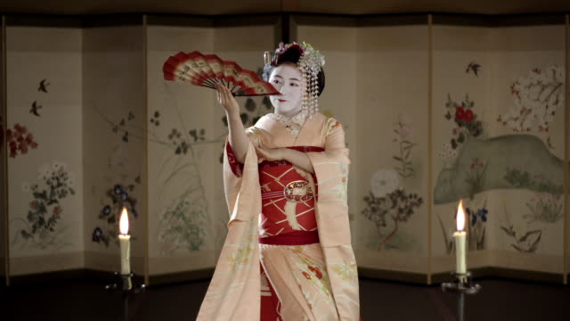 a young geisha woman, japan - fan enthusiast stock videos & royalty-free footage