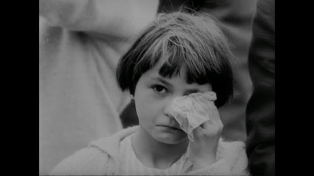 a young girl cries - 1961 stock-videos und b-roll-filmmaterial