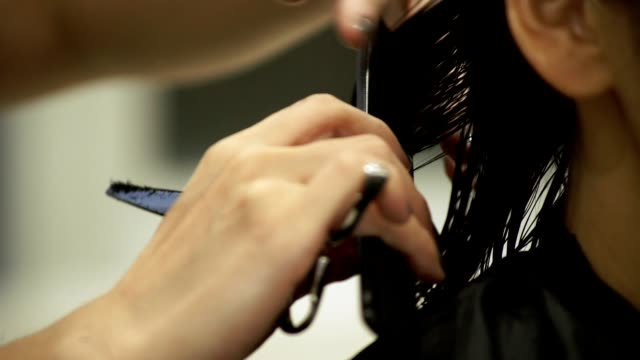 young japanese female in a hair salon. - only mid adult women stock videos & royalty-free footage