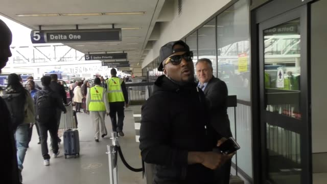 Young Jeezy departing at LAX Airport in Los Angeles in Celebrity Sightings in Los Angeles