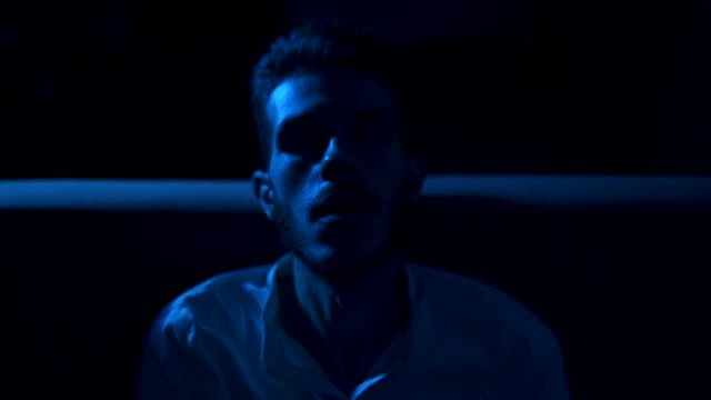 junger mann in depression - depression stock-videos und b-roll-filmmaterial