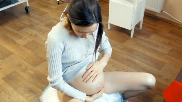young pregnant woman in process of childbirth - childbirth stock videos and b-roll footage
