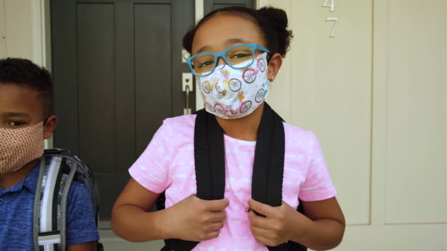 young school kids wearing homemade face masks - schoolboy stock videos & royalty-free footage