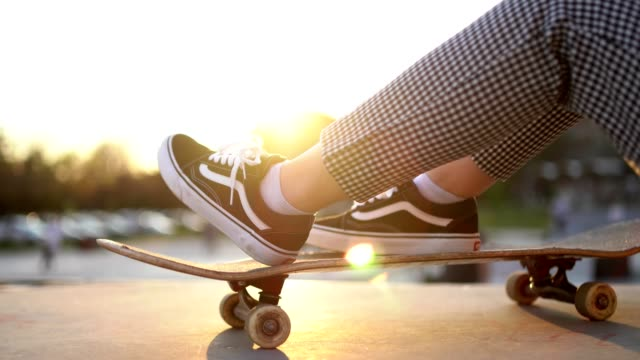 young urban woman with a skateboard - skateboard stock videos & royalty-free footage