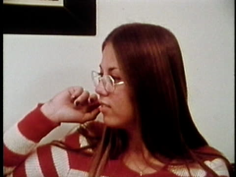 1973 MONTAGE Young woman and teenage girl talking, Los Angeles, California, USA / AUDIO