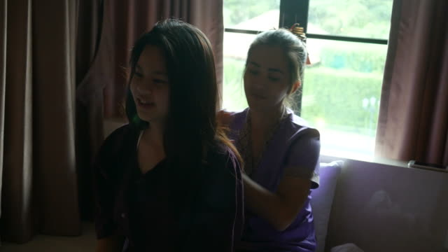 young woman having relaxing  with thai massage - sistema linfatico video stock e b–roll
