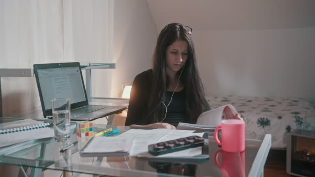 young woman in quarantine working from home - hot desking stock videos & royalty-free footage
