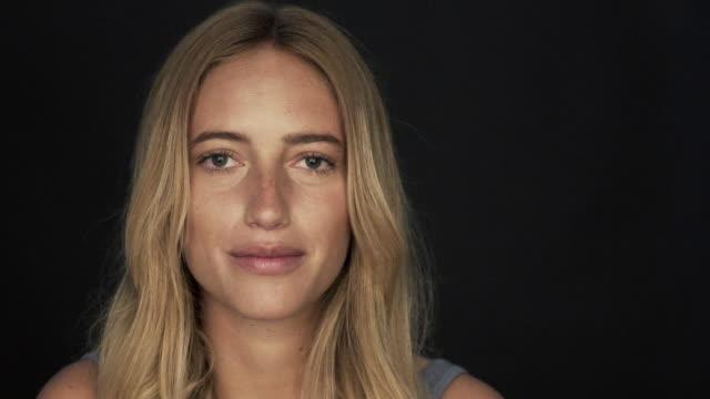 young woman portrait - endast unga kvinnor bildbanksvideor och videomaterial från bakom kulisserna