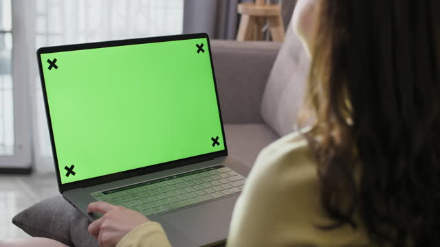young women using computer green screen device - projection screen stock videos & royalty-free footage