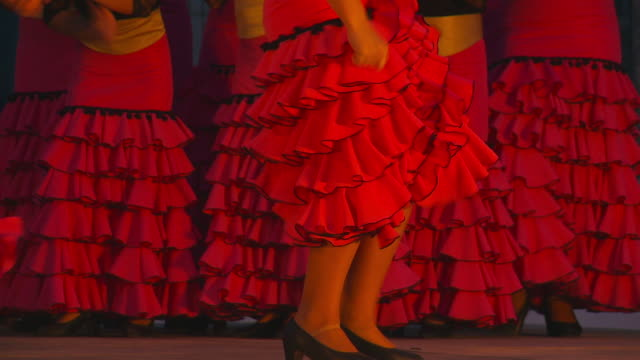 vídeos y material grabado en eventos de stock de young women's flamenco group - falda