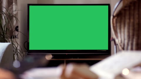vídeos y material grabado en eventos de stock de televisión de su mensaje, croma clave de identificación - monitor