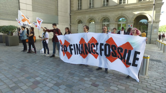 youth march for the climate before the ministry of economy and finance - climate finance stock videos & royalty-free footage